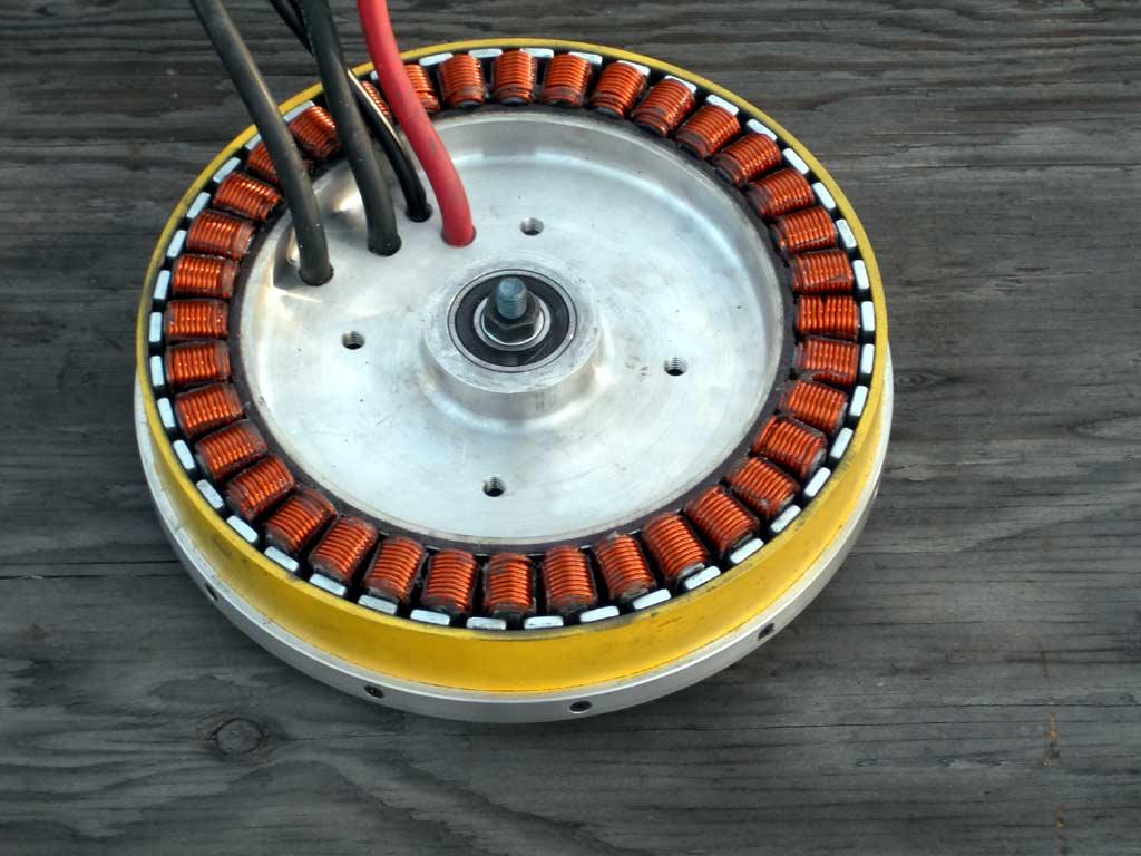Генератор из мотор колеса своими руками 13
